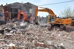 Bakanlıktan evi yıkılanlara 1 milyar lira destek!