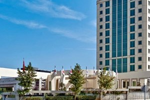 İstanbul Kemerburgaz Üniversitesi çevre ve enerji politikalarını masaya yatırıyor
