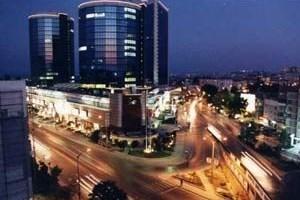 Akmerkez'e komşu villalarda kentsel dönüşüm tartışması