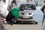 Benzin fiyatlarında 9 Kuruş indirim var