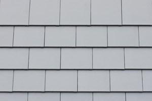 Braas'tan çarpıcı çatılar için yeni renk: Titanyum Gri!