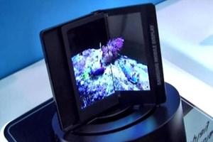 Samsung bunu da yaptı! Ekran da katlanacak!
