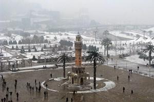 İzmir'de ilk kez kar alarmı!