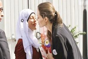 Angelina Jolie Mardin'de...