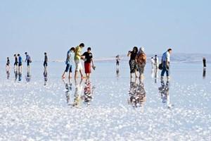 Tuz Gölü, misafirlerini karşılıyor!