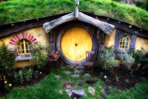 Hobbit Köyü görenleri büyülüyor!