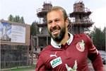 Milli futbolcu Gökdeniz Karadeniz Tataristan'da cami yaptırıyor