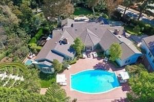 İngiliz şarkıcı Sharon ve Ozzy Osbourne çifti Los Angeles'tan ev kiraladı