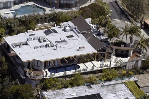 Dünyaca ünlü starların bilinmeyen evleri!