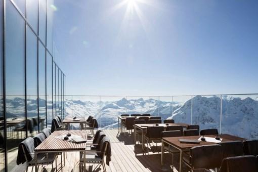 Avusturya'nın 3048 metre yükseklikteki muhteşem restoranı