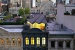 159 yıllık binaya metal çatılı teras katı yaptılar