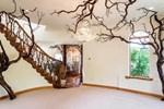 İşte hayalleri süsleyen masalsı ağaç ev