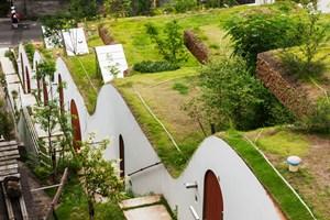 Japonya'da topoğrafya ile birleşen 7 konut tasarımı