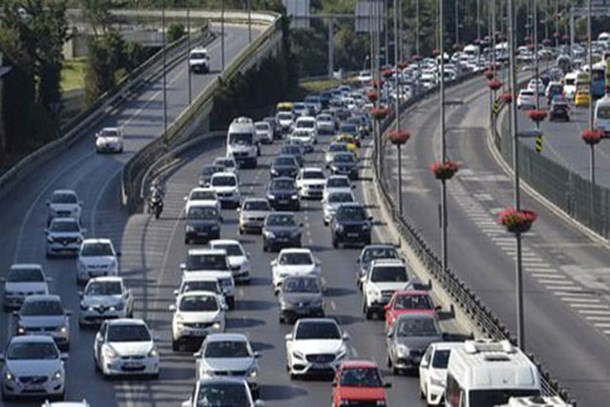 İstanbul'da bu yolar trafiğe kapatılacak