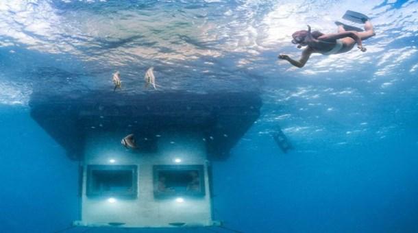 Denizin maviliklerinde bir otel...