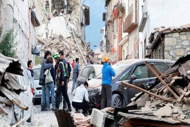 Depremzelerden 'selfie' isyanı