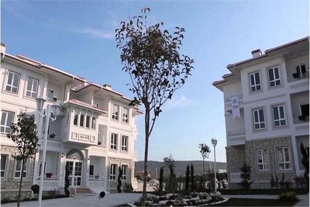 TOKİ İzmir'de bulunan Roman vatandaşlara ev yapacak