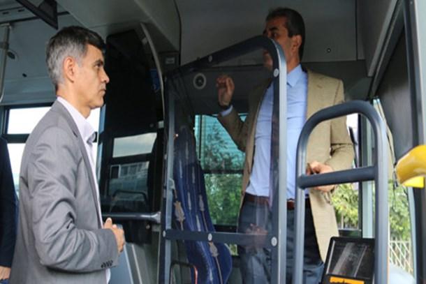 Metrobüslerde şoförlere özel kabin dönemi!
