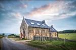 Terk edilen kilise muhteşem bir eve dönüştürüldü