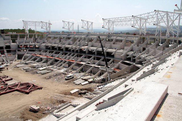 Trabzon'dan sonra bölgede hizmete girecek ikinci yeni stat olacak tesisin çatısı, Karadeniz...
