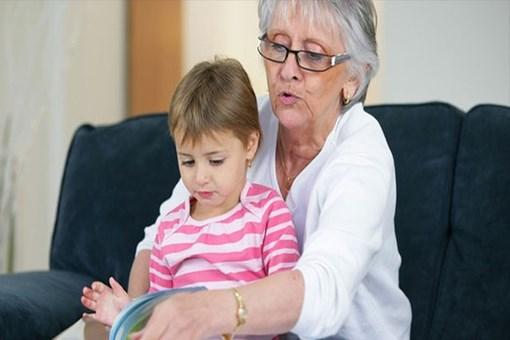 Toruna bakan büyükanneye yaş kriteri!