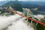 Çin'de bulunan dünyanın en yüksek köprüsü açıldı