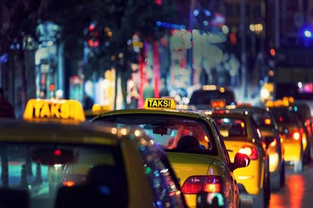 Yarından itibaren taksilerde indi bindi 8 lira 75 kuruş