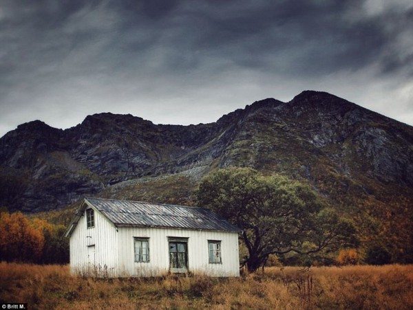 Sosyal medya platformu Instagram'ın ünlü fotoğraf sanatçısı Britt M, memleketi Norveç'te kuzey...