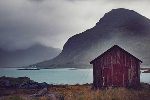 Norveç'in seyrine doyum olmayan terkedilmiş evleri!