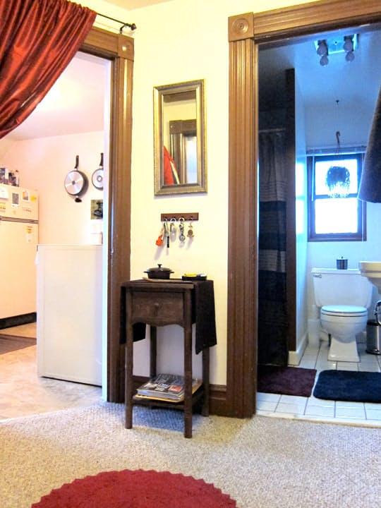 Amerika'nın Michigan eyaletinde yaşayan Monica öğrenci evi için çok da büyük bir eve ihtiyacı...
