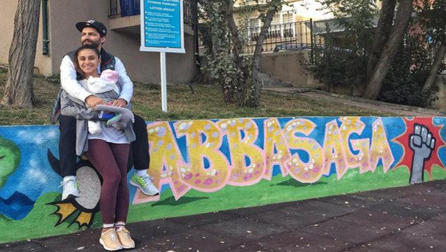 Uzun süredir Beşiktaş Abbasağa'da yaşayan Kızmaz ailesi, çocuklarını İstanbul'un karmaşasından...
