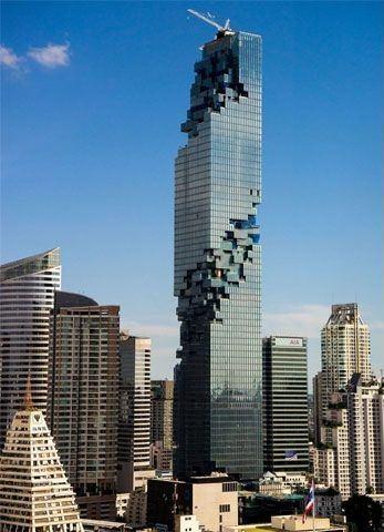 Bu binalar öyle bir tasarlanmış ki, gece görünümlerini merak etmemek elde değil..