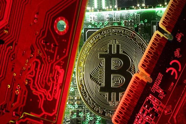 Japonlar sattı, Bitcoin çakıldı