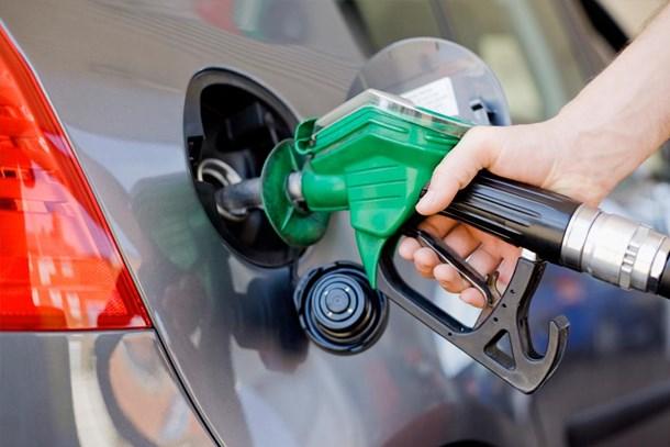 Benzin fiyatlarına indirim mi geliyor?