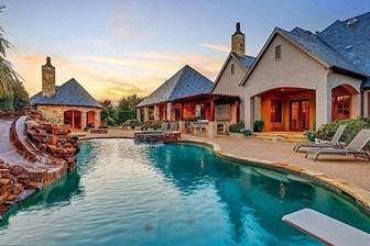 İşte Selena Gomez'in gözü gibi baktığı o evi!