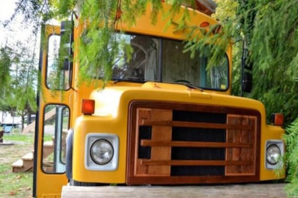 Okul otobüsünü muhteşem bir eve dönüştürdüler