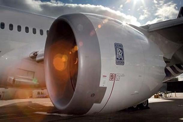 Rolls-Roys 8 bin yöneticinin maaşlarını donduracak!