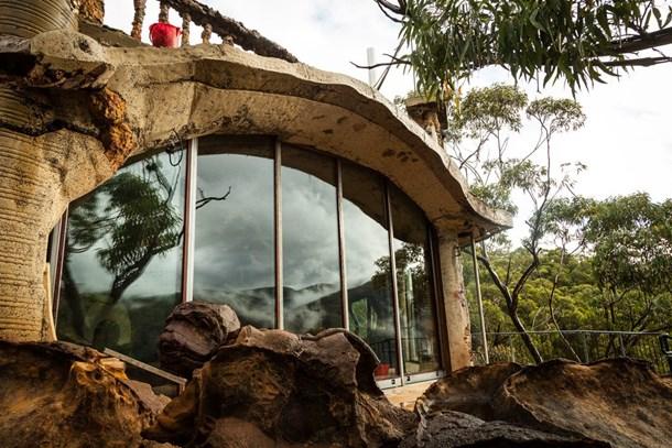 Miras kalan mağarayı muhteşem bir eve dönüştürdü!