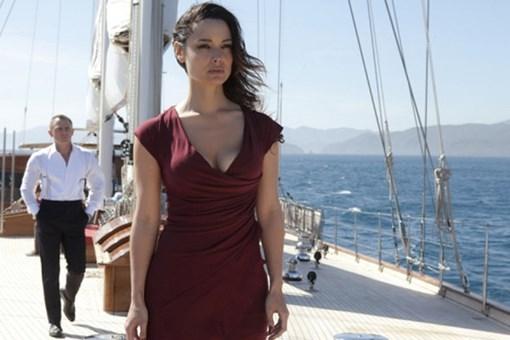 James Bond'un Türk bayraklı yatı satışta!