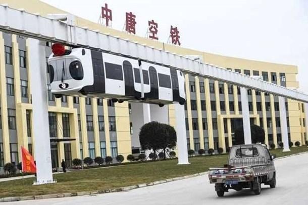 Çin'den bir ilk! Hava treni yaptılar