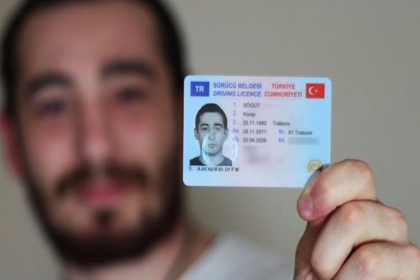 Ehliyeti olanlar dikkat! Evde unutmanın bedeli 206 lira!