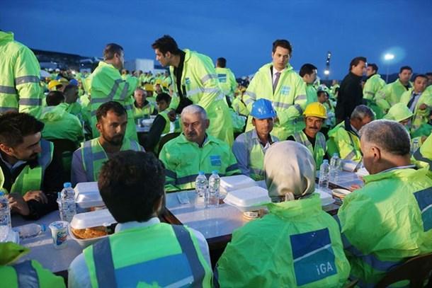 Başbakan Yıldırım 3. Havalimanı'nda iftar açtı
