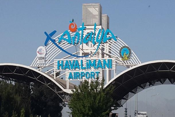 Antalya Havalimanı 2 yılın rekorunu kırdı!