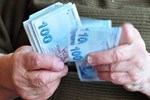 Zamlı maaşlar hesaplara yatıyor!