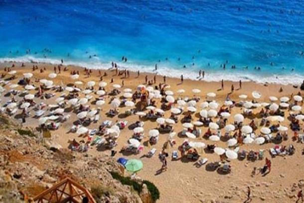 1.5 milyon kişi tatil yapacak