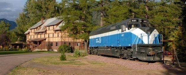 ABD'nin Montana Eyaleti'ndeki Essex kasabasında, Great Northern Railway isimli bir demiryolu...