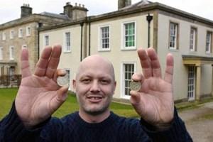 Milyonluk evi 20 TL'ye sattı!