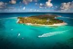Milyarder iş adamının adası harap oldu!