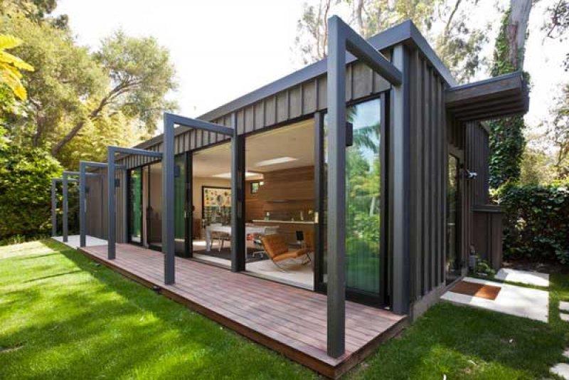 Günümüzde hem felsefi hem de ekonomik olarak beton binalara alternatif niteliğinde konteyner ev...