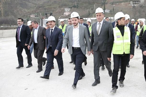 Albayrak: Daha büyük Türkiye için kolları sıvadık